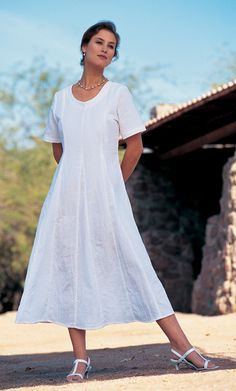 simple dress, but I'd definetely pick another color as white isn't my color. Probably blue.