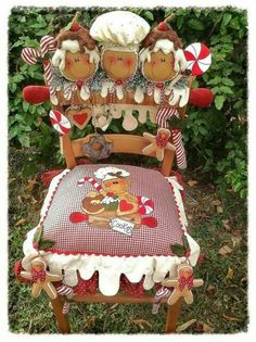 I love this - this is sooooo me.This might not look easy to recreate, but it is. Might even want to do it as Santa, snowman,no limits to what and how you want to create this. Have fun! Gingerbread Christmas Decor, Christmas Chair, Gingerbread Ornaments, Gingerbread Decorations, Christmas Sewing, Christmas Kitchen, Gingerbread Man, Christmas Projects, All Things Christmas