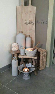 Kruiken, potten, flessen, schalen ♡♡  Www.facebook.com/relivingthepastmeubels