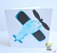 Kartka z Odciskiem Stópki - Samolot / Airplane Footprint Card Preschool Arts And Crafts, Classroom Crafts, Paper Crafts For Kids, Baby Crafts, Toddler Crafts, Infant Crafts, Christmas Crafts For Toddlers, Crafts For Teens, Airplane Gifts