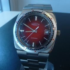 bought few pieces in closed watch workshop..date from the eighties. automatic - gorgeous steel case and strap. 150€