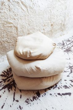 The Selby YurikoTakagi studio white rug floor cushions ems designblogg