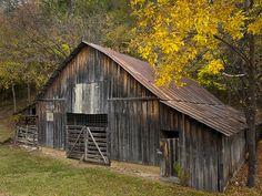 An Arkansas barn near Mt. Judea (pronounced Judy), Arkansas. Photo by Brian Cormack
