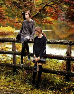 Kasia Jujeczka and Joanna Tatarka by Makoto Nakagawa for Spur November 2014 [+Photography +Autumn +Fashion +Landscape +Countryside] Fashion Shoot, Look Fashion, New Fashion, Editorial Fashion, Winter Fashion, High Fashion, Winter Photography, Editorial Photography, Photography Poses