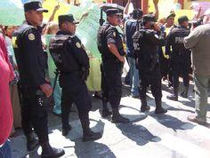 Mayo 2009. Manifestación en contra del Presidente de Guatemala Álvaro Colom por el asesinato de Rodrigo Rosenberg.