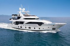 Die neue Tri-Deck Luxusyacht Benetti Tradition Supreme 108