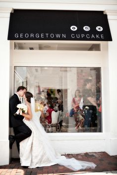 Georgetown Cupcake. maybe M and i will dress up and go there once we get all settled just to take this pic ;-)