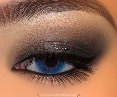 Black smoky eye with glitter