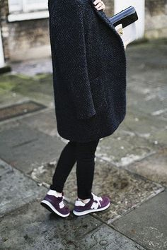 zapatillas deportivas violetas Nike