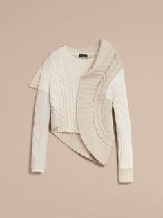 Keep it tone on tone in this Burberry Panelled Cashmere, Cotton and Wool Sweater Knitwear Fashion, Knit Fashion, Fashion Details, Fashion Design, Fashion Trends, Knitting Designs, Wool Sweaters, Women Wear, My Style