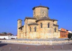 Frómista, Tierra de Campos, provincia de Palencia - Iglesia románica de San Martín de Tours, uno de los grandes hitos del Camino de Santiago