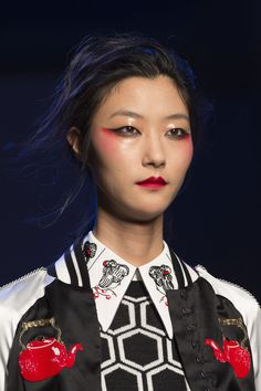 Olympia Le-Tan Spring 2016: Inspired by Traditional and Avant-Garde Japanese Culture