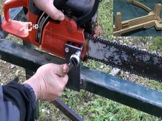 Every Chainsaw Should Have This Gadget! Homemade Chainsaw Mill, Bushcraft, Branches, Fireplace Blower, Bandsaw Mill, Tractor Accessories, Homemade Tools, Wood Burner, Wood Slab