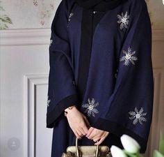 Abaya Fashion, Muslim Fashion, Modest Fashion, Fashion Outfits, Hijab Style, Hijab Chic, Abaya Style, Estilo Abaya, Abaya Pattern