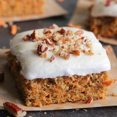 Sweet Potato Cake with Marshmallow Frosting - A moist cake similar to carrot cake, but with shredded sweet potatoes. Apple Desserts, Köstliche Desserts, Delicious Desserts, Marshmallow Frosting Recipes, Marshmallow Creme, Sweet Potato Dishes, Sweet Potato Recipes, Food Cakes, Cupcake Cakes