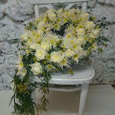 wieniec z biała różą... kwiaciarnia Wena Częstochowa