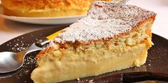 The magic cake recipe: 1 mixture = 3 layers, a moist cake, a cream and a genoise sponge. A rapid and easy cake recipe! Easy Vanilla Cake Recipe, Chocolate Cake Recipe Easy, Easy Cake Recipes, Fruit Recipes, Dessert Recipes, Royal Cakes, Moist Cakes, Homemade Cakes, Cookies Et Biscuits