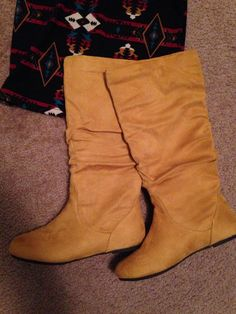 Mustard boots, perfect for fall
