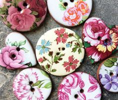 8 Floral Buttons Handmade ceramic buttons featuring pink floral designs. Dimensions: Large Heart 2.6 x 2.9 cm Large Round 2.7 x 2.7 cm Medium Round 2.3 x 2.3 cm  *Due to the handmade nature of our products there may be some small variations with each item. We believe this makes each handmade item completely unique! **When washing garments, please turn them inside out and place in a pillow case to protect the buttons from chipping or breaking. We do not recommended dry cleaning garments with…