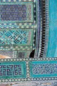 turquoise islamic tiling
