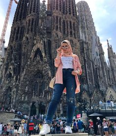 32 Ideas For Holiday Clothes Teens Casual Hijab Chic, Hijab A Enfiler, Hijab Teen, Modest Fashion Hijab, Modern Hijab Fashion, Muslim Women Fashion, Street Hijab Fashion, Modesty Fashion, Hijab Style