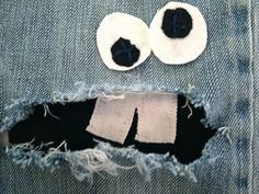 cool idea for hole in knee-jeans!