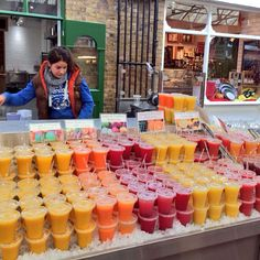 Juice Bar Menu, Fresh Juice Bar, Smoothies, Smoothie Bar, Fruit Drinks, Bar Drinks, Shaved Ice Recipe, Salvador Food, Juice Bar Design