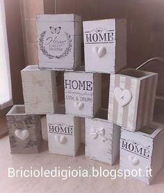 Wooden Christmas Decorations, Wood Ornaments, Christmas Crafts, Wooden Crafts, Wooden Diy, Wooden Boxes, Paper Mache Crafts, Christmas Interiors, Decoupage Box