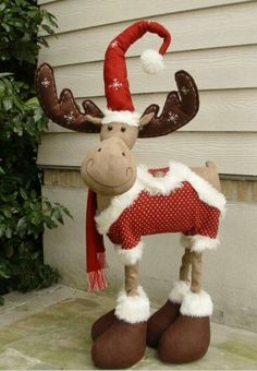 A Christmas Moose Christmas Moose, Christmas Sewing, Christmas Projects, Handmade Christmas, Christmas Time, Merry Christmas, Christmas Decorations, Christmas Ornaments, Holiday Decor