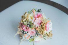 Una boda veraniega en colores azules, rosa y melocotón en All Lovely Party