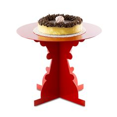 Officinanove's Artu and Ginevra coffee tables become tiny and turn into beautiful cake stands.