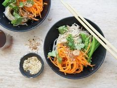 This Soba Noodle Salad by wt_bbi_t is light, fresh and vegetarian. Dinner Recipes Easy Quick, Vegetarian Recipes Easy, Veggie Recipes, Healthy Dinner Recipes, Asian Recipes, Ethnic Recipes, Noodle Recipes, Vietnamese Recipes, Summer Recipes