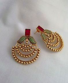 Gold Jhumka Earrings, Gold Earrings Designs, Antique Earrings, Gold Designs, Gold Necklace, India Jewelry, Designer Earrings, Designer Jewellery, Designer Wear