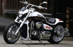 Suzuki Intruder VZR1800/M109R Custom.    http://forum.index.hu/Article/showArticle?go=111343559&p=1&t=9159277