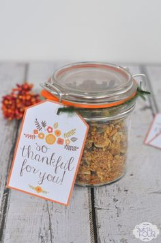 Show how much you care with these free Thankful for You Gift Tags and Paleo Pumpkin Granola in a jar!