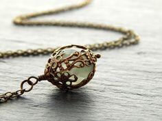 Kette - Salbei von Perlenfontäne auf DaWanda.com