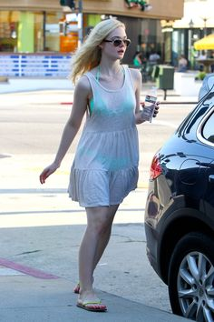 Elle Fanning (2707×4061) Dakota Fanning, Ellie Fanning, Fanning Sisters, Cute Fashion, Fashion Models, Girl Fashion, Womens Fashion, Celebrity Bikini Bodies, Beautiful Young Lady