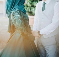 Girl Couple, Couple Shoot, Arab Couple, Couple Pics, Couple Goals, Muslim Girls, Muslim Couples, Romantic Couples, Cute Couples