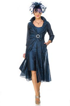 Elegant dress and coat which looks sylish and effortless. Flattering floaty coat in silk jacquard organza over silk fitted dress. The coat is panelled with inset godets so that it floats as you walk. The outfit can be made short or long with variations as it is individually made to measure for you. Equally flattering …
