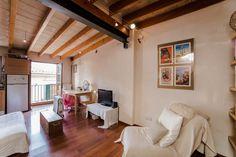 Old town, Palma de Mallorca: Cosy studio with terrace in La Lonja