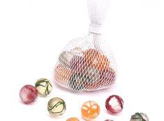 Sweetbilles I Sucettes billes incrustées de légumes séchés. Accords carotte/muscade, betterave/gros sel, haricot/chili I Julie Rothhahn