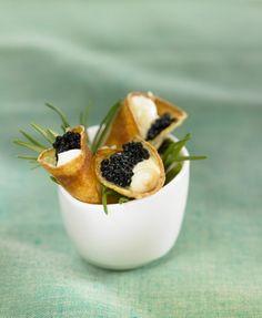 Canutillos de patata con caviar y mayonesa | Delicooks | Good Food Good Life