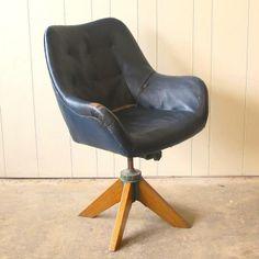 Grant Featherston;  Executive Contour Chair, 1950s.
