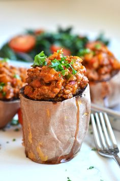 These Curried Turkey Sloppy Joes in Sweet Potato Bowls are the perfect healthy comfort food for your Packed with nutrients and flavor for a balanced dinner! Classic Sloppy Joe Recipe, Sloppy Joes Recipe, Healthy Comfort Food, Healthy Meals For Two, Healthy Snacks, Paleo Whole 30, Whole 30 Recipes, Turkey Sloppy Joes, Ground Turkey Recipes