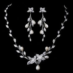 Floral CZ and Pearl Wedding Jewelry Set Floral CZ and Pearl Wedding Jewelry Set – a beautiful jewelry set for the bride! Wedding Jewelry Sets, Wedding Accessories, Jewelry Accessories, Wedding Rings, Pearl Jewelry, Silver Jewelry, Silver Ring, Diamond Jewelry, Pearl Diamond