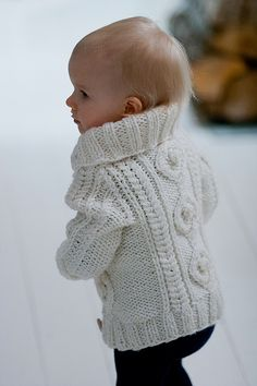 Totally want this for my baby girl! Knitting For Kids, Baby Knitting Patterns, Baby Patterns, Crochet Baby, Knit Crochet, Stylish Kids, Kid Styles, Baby Sweaters, Pull