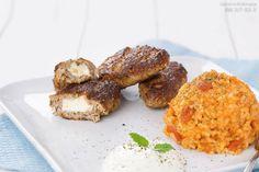 Bifteki – griechische Frikadellen mit Schafskäse und Tzatziki