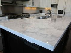 20 Stunning Granite Kitchen Countertop Design (WITH PICTURES)
