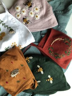 Bonnets All bonnets are available for purchase Hand Embroidery Designs, Diy Embroidery, Embroidery Stitches, Embroidery Patterns, Handmade Baby Clothes, Diy Clothes, Embroidered Clothes, Christmas Embroidery, Looks Vintage