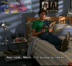 The OC. I LOVE SETH. Haha why do they always use the excuse of being naked while studying? The Oc Season 1, Summer And Seth, Show Sandy, It's Over Now, Tv Show Quotes, Movie Quotes, Book Tv, Funny Moments, Funny Things